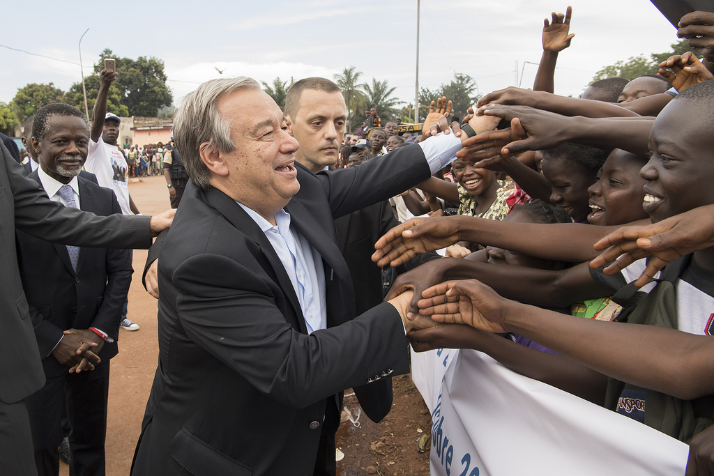 Secretary-General António Guterres is greeted by residents of Bangui, Central African Republic. UN Photo/Eskinder Debebe